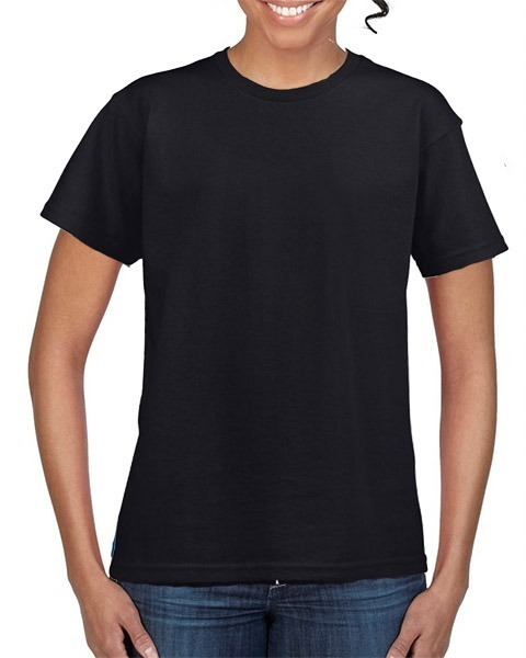 mujer camiseta negra